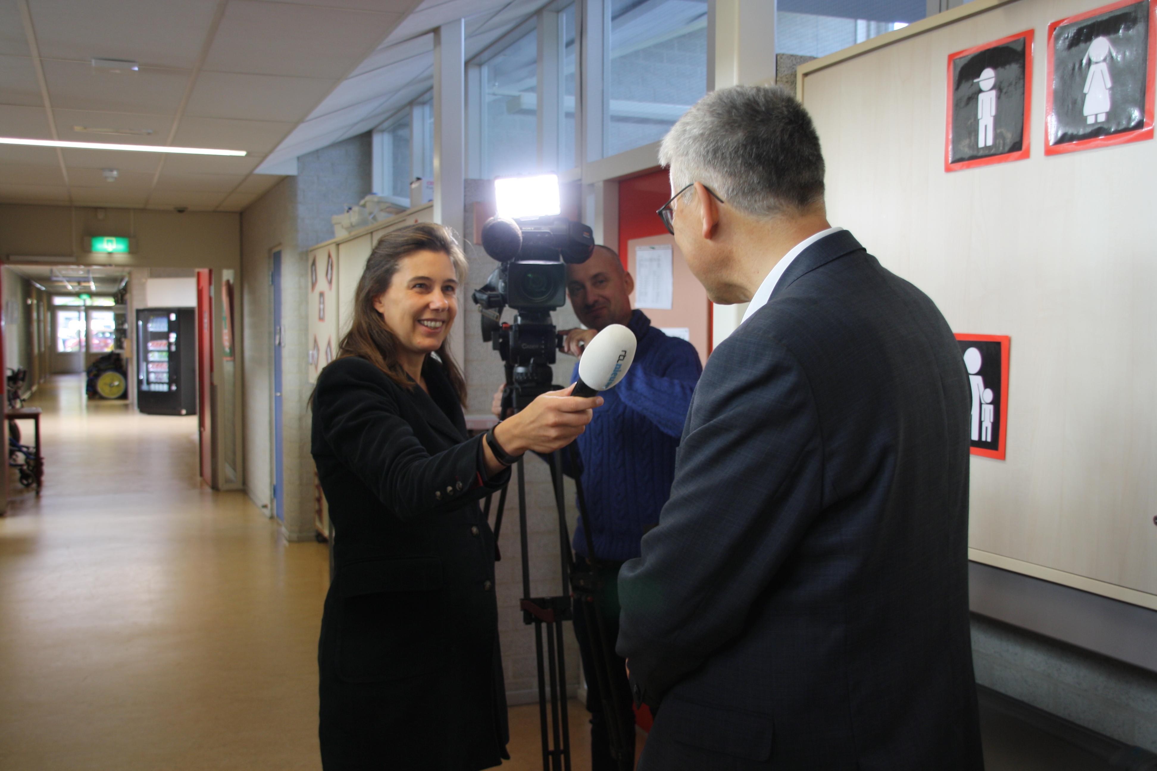 RTL Nieuws maakt opnames in afdeling EMB